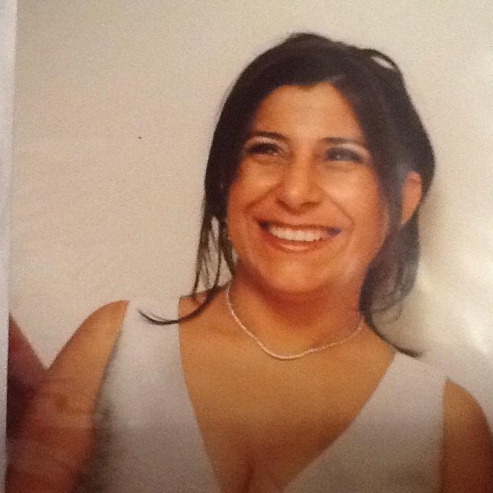 Rosélia Freitas • Cliente e Proprietária do Positano Café.